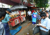 Mobile court removed shops for illegal ads and fined for open smoking